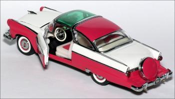 Прикрепленное изображение: 1955_Ford_Fairlane_Crown_Victoria___Franklin_Mint___UK_08___2_small.jpg