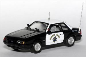 Прикрепленное изображение: 1991_Ford_Mustang_California_Highway_Patrol___White_Rose_Collectibles___DEDGM99107WAK___1_small.jpg