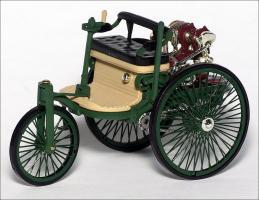 Прикрепленное изображение: 1886_Benz_Patent_Motor_Wagen___IXO___CLC138___1_small.jpg