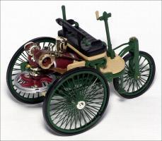 Прикрепленное изображение: 1886_Benz_Patent_Motor_Wagen___IXO___CLC138___2_small.jpg