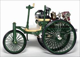 Прикрепленное изображение: 1886_Benz_Patent_Motor_Wagen___IXO___CLC138___3_small.jpg