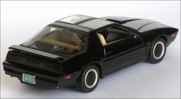 Прикрепленное изображение: 1982_Pontiac_Firebird_Trans_Am_K.I.T.T.___Aoshima___DISM79621___6_small.jpg