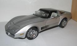 Прикрепленное изображение: Chevrolet_Corvette_1982__AA_.jpg