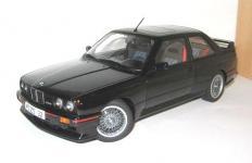 Прикрепленное изображение: BMW_E30_M3_Sport_Evolution___Auto_Art__.jpg