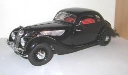 Прикрепленное изображение: BMW_327_coupe_1937__Guiloy_.jpg