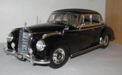 Прикрепленное изображение: Mercedes_Benz_Typ_300_C_Limousine_1955__Ricko_.jpg