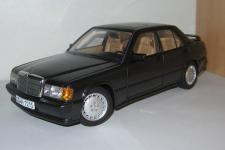 Прикрепленное изображение: Mercedes_Benz_190_E__AA_.jpg