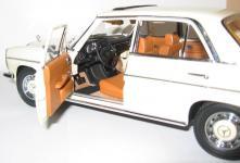 Прикрепленное изображение: Mercedes_Benz_W115_Strich_8_Sunstar.__3_.jpg