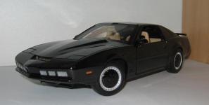 Прикрепленное изображение: Pontiac_Trans_Am_Knight_Rider_KITT_1983__ERTL_.jpg