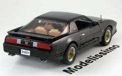Прикрепленное изображение: Greenlight_Collectibles_road_cars_Pontiac_Trans_Am_GTA_1989_black__1_.jpg