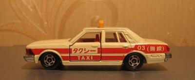 Прикрепленное изображение: Nissan_Cedric_280E_Brougham_Tomica__1_.JPG