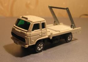 Прикрепленное изображение: Nissan_Diesel_Condor_Tomica.JPG