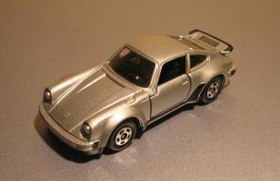 Прикрепленное изображение: Porsche_930_Turbo_Tomica.JPG