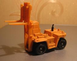 Прикрепленное изображение: Toyota_Forklift_Truck_FD200_Tomica__1_.JPG