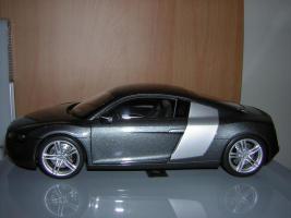 Прикрепленное изображение: Audi_R8_Kyosho__3_.JPG