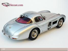 Прикрепленное изображение: 1955_Mercedes_Benz_300_SLR_Uhlenhaut_Coupe__CMC__1_.jpg