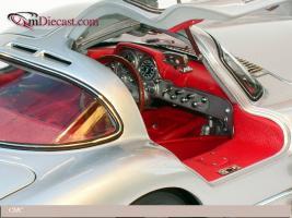 Прикрепленное изображение: 1955_Mercedes_Benz_300_SLR_Uhlenhaut_Coupe__CMC__2_.jpg