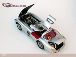 Прикрепленное изображение: 1955_Mercedes_Benz_300_SLR_Uhlenhaut_Coupe_CMC__5_.jpg