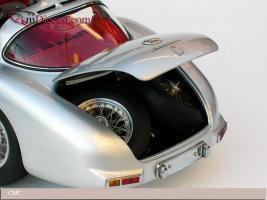 Прикрепленное изображение: 1955_Mercedes_Benz_300_SLR_Uhlenhaut_Coupe_CMC__6_.jpg