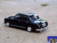 Прикрепленное изображение: Mercedes_Benz_180_1956_0_2.jpg