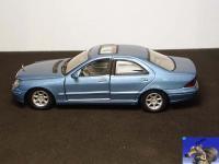Прикрепленное изображение: Mercedes_Benz_S_Class_Sedan_0_2.jpg
