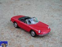 Прикрепленное изображение: Alfa_Romeo_Spider_1300_Junior_1970_0_0.jpg