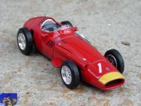 Прикрепленное изображение: Maserati_250F_F1_1957_0_1.jpg