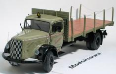 Прикрепленное изображение: Minichamps_trucks_and_busses_Mercedes_L6600_Rungenwagen_1950_.jpg