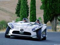 Прикрепленное изображение: Mercedes_Benz_F400_003.jpg