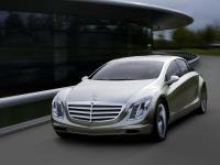 Прикрепленное изображение: Mercedes_Benz_F700___002.jpg