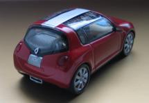 Прикрепленное изображение: Renault_Zoe_02.jpg