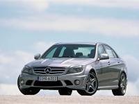Прикрепленное изображение: 2008_Mercedes_Benz_C_63_AMG_Front_And_Side_Low_View_1024x768.jpg