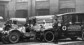 Прикрепленное изображение: Russo_Balt_D_24_40_Ambulance_1914_Kuranoff_1.jpg
