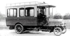 Прикрепленное изображение: Daimler_Marienfelde_Bus1905.jpg