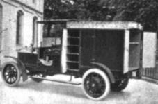 Прикрепленное изображение: Mercedes_Electrique_Lieferwagen_1905.jpg