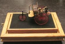 Прикрепленное изображение: Benz_Patentmotorwagen.jpg