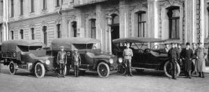 Прикрепленное изображение: Hudson_6_40_Ambulance_1915_Otto_1.jpg