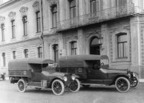 Прикрепленное изображение: Hudson_6_40_Ambulance_1915_Otto_2.jpg