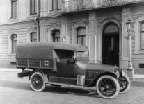 Прикрепленное изображение: Hudson_6_40_Ambulance_1915_Otto_3.jpg