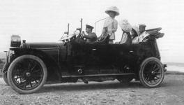 Прикрепленное изображение: Mercedes_16_40_Knight_1911_Nikolaus.jpg