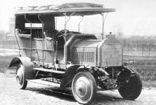 Прикрепленное изображение: Daimler_Marienfelde_1907_Colonial_4x4.jpg
