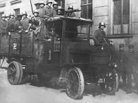 Прикрепленное изображение: Daimler_Marienfelde_1920_Freikorps.jpg