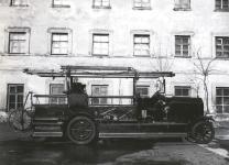 Прикрепленное изображение: Daimler_Marienfelde_DM5_1914_Feuerwehr_Moskau.jpg