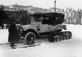 Прикрепленное изображение: Packard_Six_3_38_Kegresse_1922_Trotzki.jpg