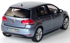 Прикрепленное изображение: 1zu43_VW_Golf_VI_5tuerig_sharkbluemet_VW_Schuco_5K0099300A5Q_17995_07.JPG