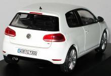 Прикрепленное изображение: 1zu43_VW_Golf_VI_3tuerig_candyweiss_VW_Schuco_5K0099301AB9A_17990_03.JPG