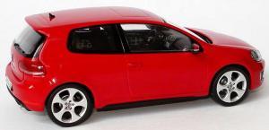 Прикрепленное изображение: 1zu43_VW_Golf_VI_GTI_3tuerig_tornadorot_VW_Schuco_5K3099300Y3D_18612_06.JPG