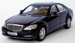 Прикрепленное изображение: 1zu43_Mercedes_Benz_S_Klasse_Faclift_W221_Modell_2009_obsidianschwarzmet_MB_AUTOart_B66962297_18948_04.JPG