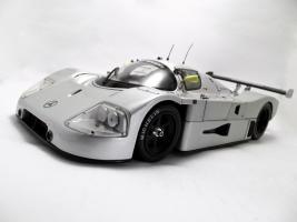 Прикрепленное изображение: Sauber_Mercedes_Benz_C9_2.jpg