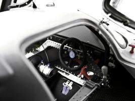 Прикрепленное изображение: Sauber_Mercedes_Benz_C9_4.jpg